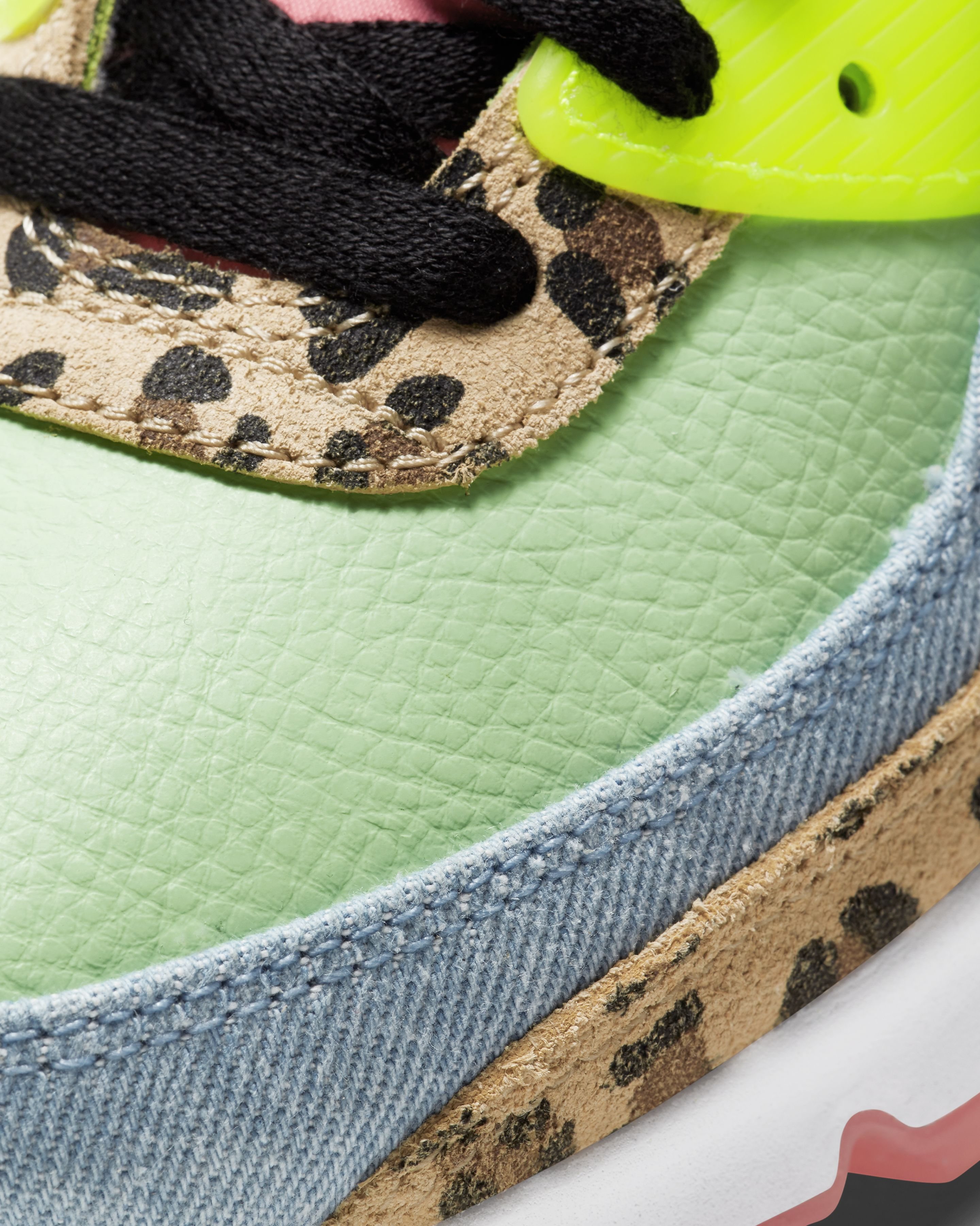 Nike Air Max 90 LX  Illusion Green/Black/White/Sunset Pulse